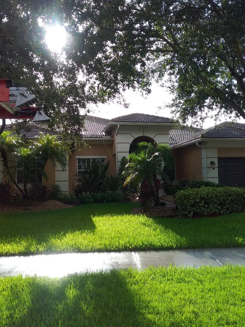 Davie, FL - Tile roof repair and the City of Davie Florida this repair is being done by Earl W Johnston roofing company Tony Ron and Regis are your repair technicians