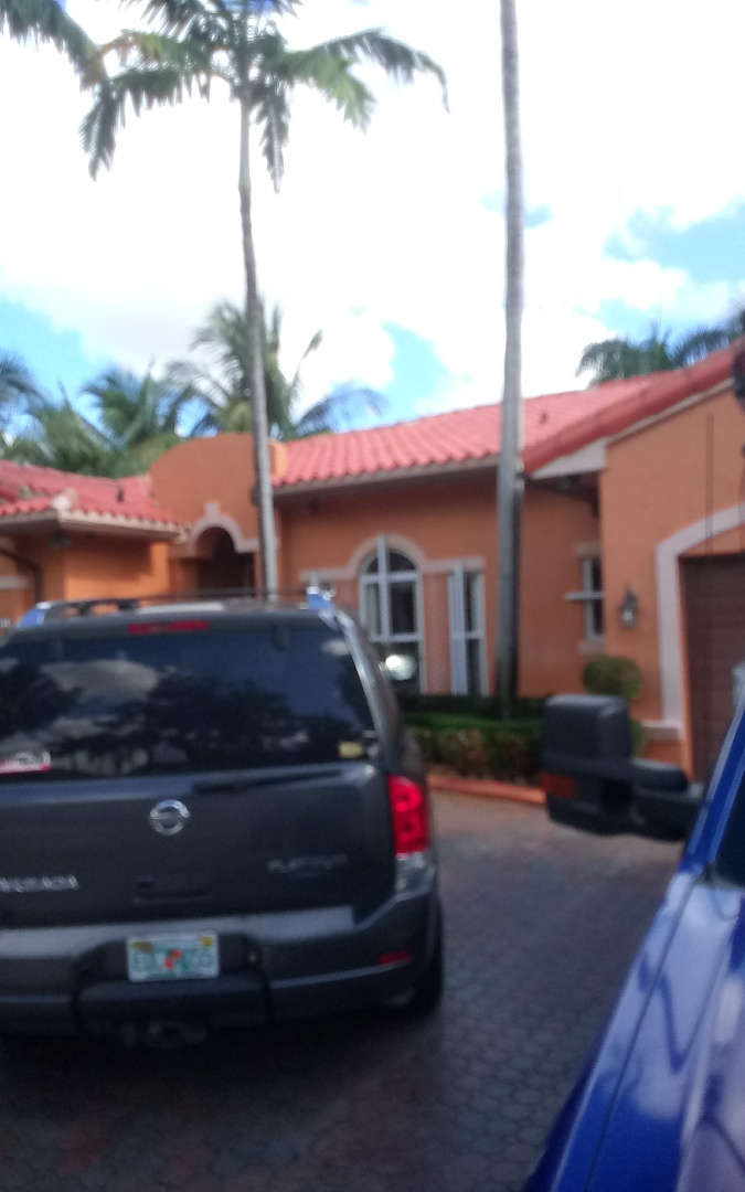Miami Lakes, FL - Repair roof in Miami. By Alexis & israel