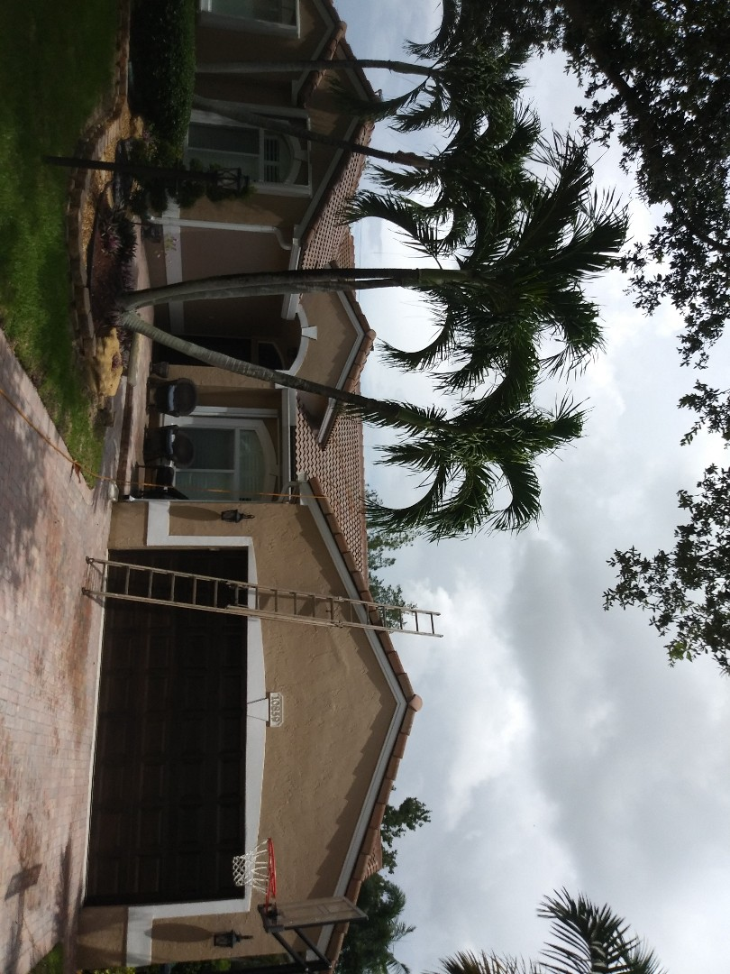 Plantation, FL - Roofacide roof service guys Darron and Gary