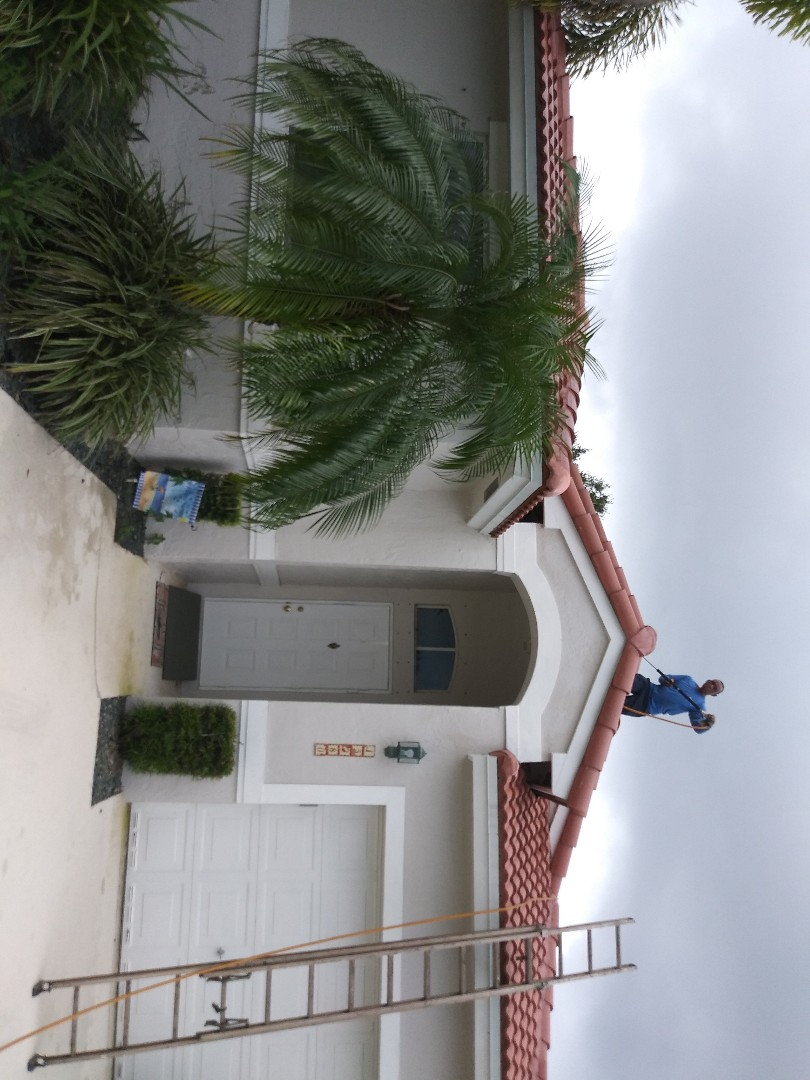 Davie, FL - Roofacide roof service guys Darron and Gary