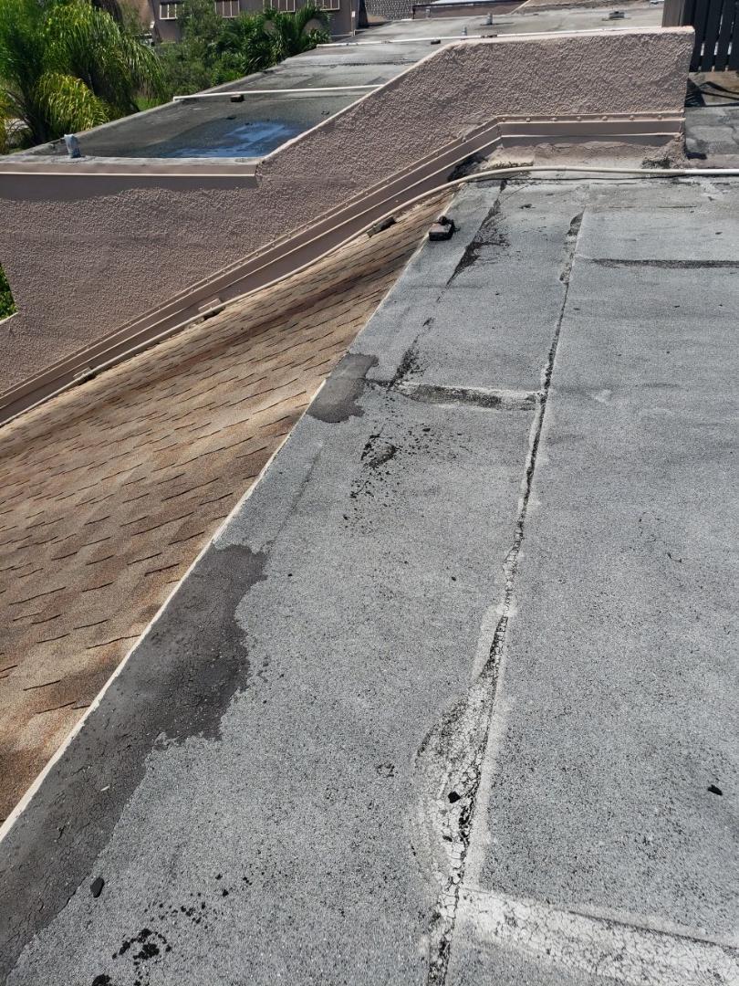 Pembroke Pines, FL - Flat roof leak repair estimate in Pembroke Pines Florida by Mike Wilde of Earl Johnston Roofing