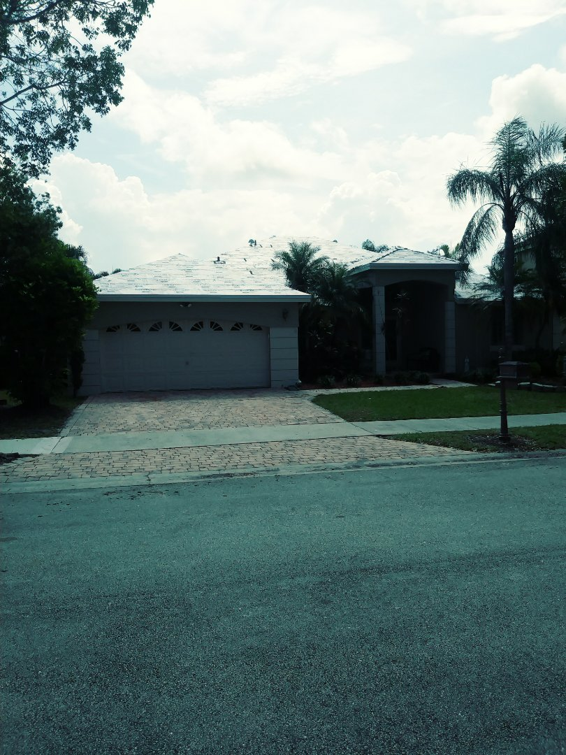 Weston, FL - Tag and stick passed inspection ready for roof tile to be delivered