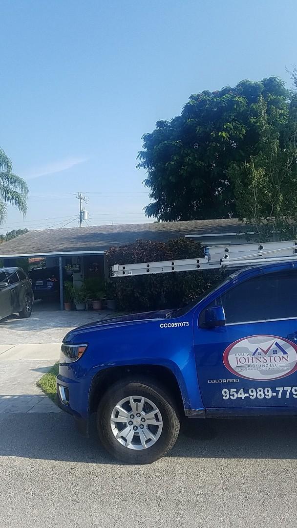 Fort Lauderdale, FL - Flat roof leak repair estimate by Earl Johnston Roofing Company