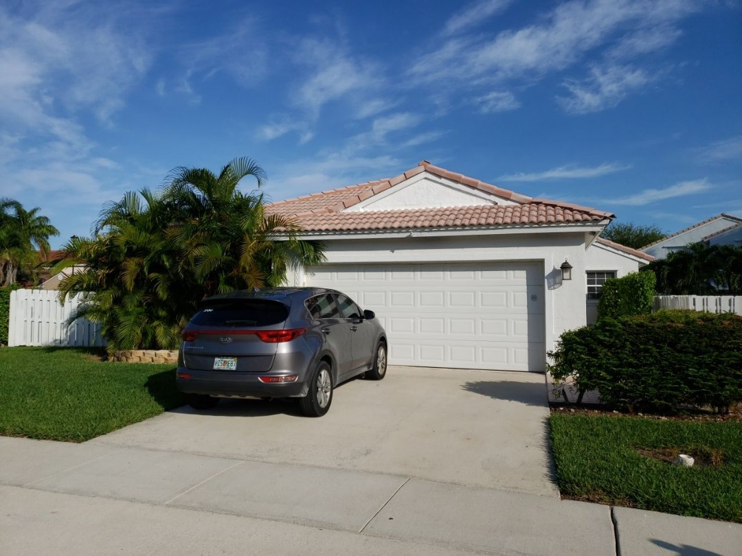 Pembroke Pines, FL - Tile roof replacement estimate in Pembroke Pines Florida by Mike Wilde of Earl Johnston Roofing
