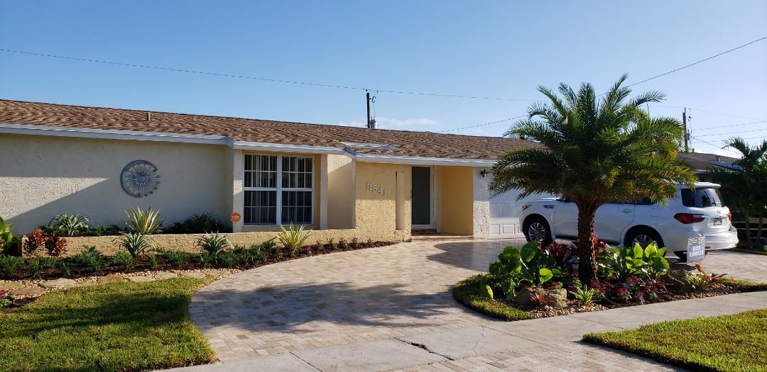 Sunrise, FL - Gaf Timberline hd shingle roof is installed in Sunrise,FL by Mike Wilde of Earl Johnston