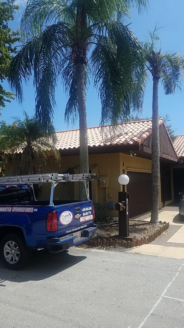 North Miami Beach, FL - Flat roof leak repair estimate by Earl Johnston Roofing Company