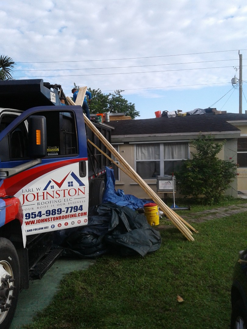 North Miami Beach, FL - Starting a 16sq shingle reroof in,Miami beach, by Earl w Johnston roofing