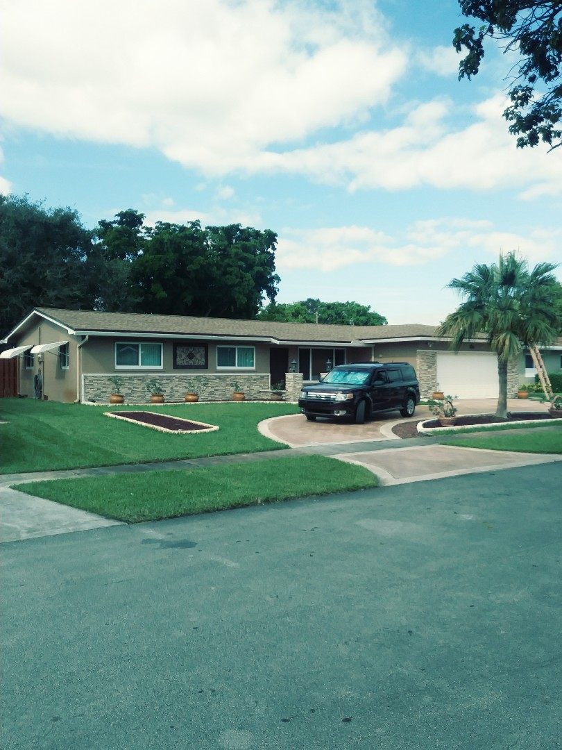 Pembroke Pines, FL - Finished Gaf timberline shingle and tpo flat roof by earl w Johnston roofing llc