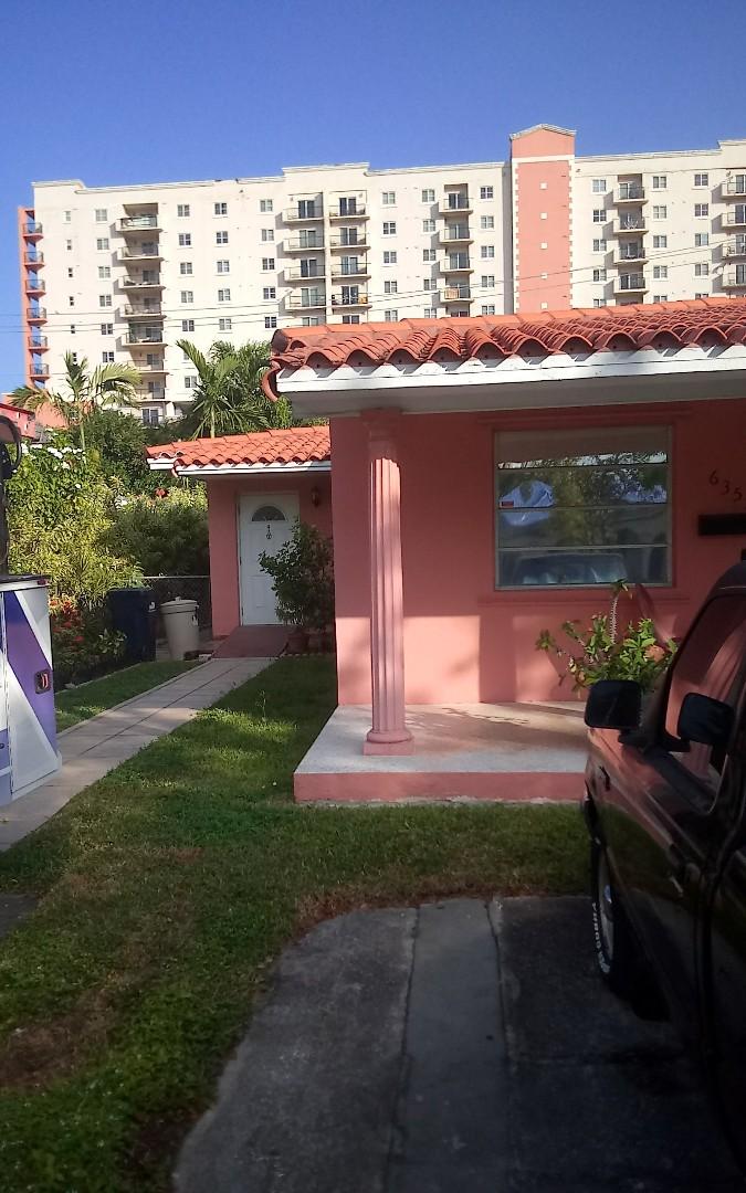 West Miami, FL - Repair tile by Israel & Alexis from Earl jhonstonroofing