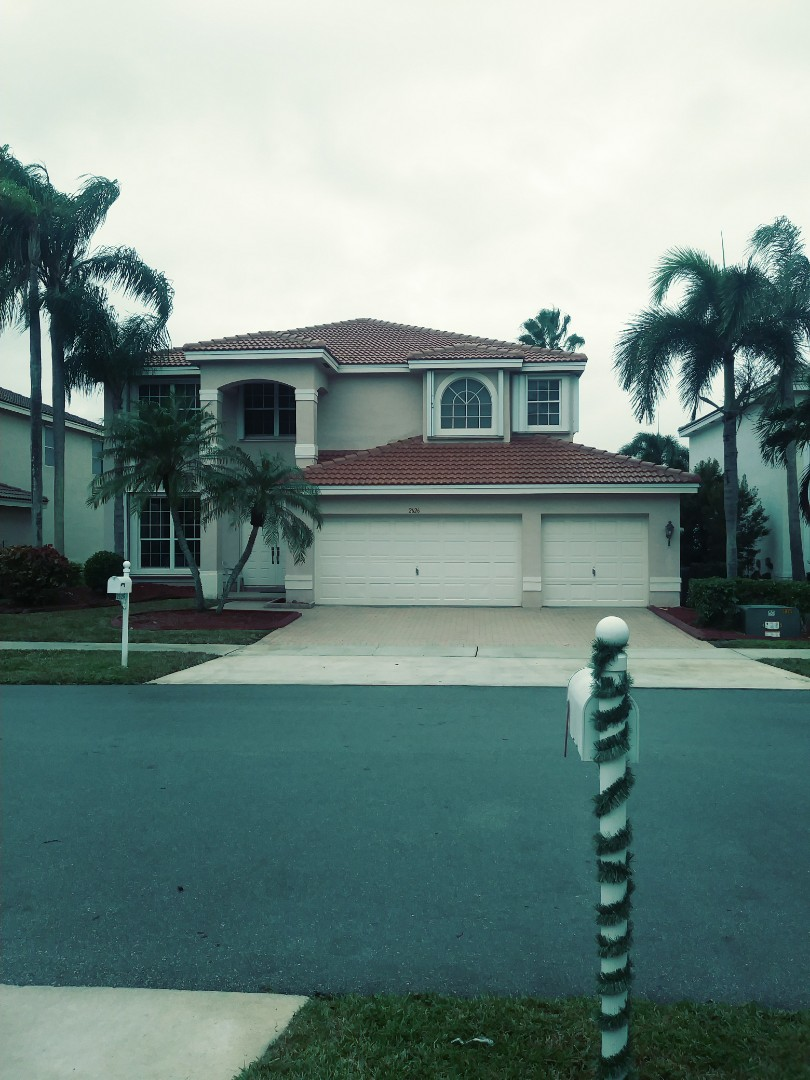 Miramar, FL - Finished eagle Malibu concrete roof tile by earl w Johnston roofing llc