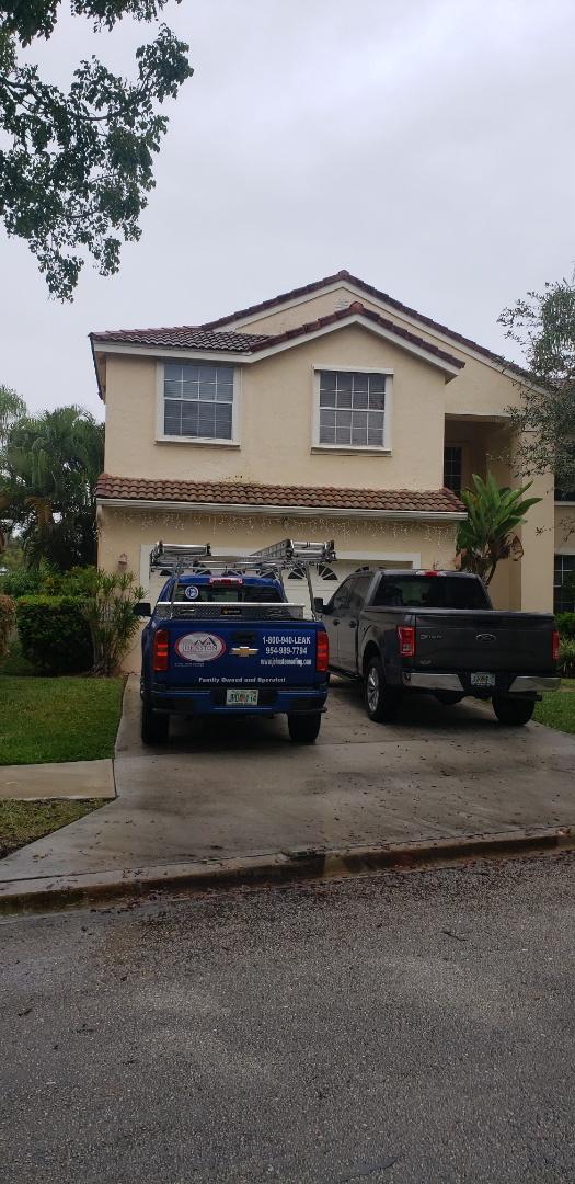 Weston, FL - Tile roof leak repair estimate in Weston,FL by Mike Wilde of Earl Johnston Roofing