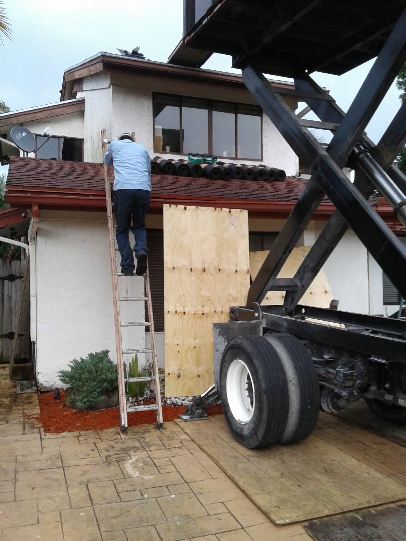 Davie, FL - Starting a 19sq shingle reroof in Davie, by Earl w Johnston roofing
