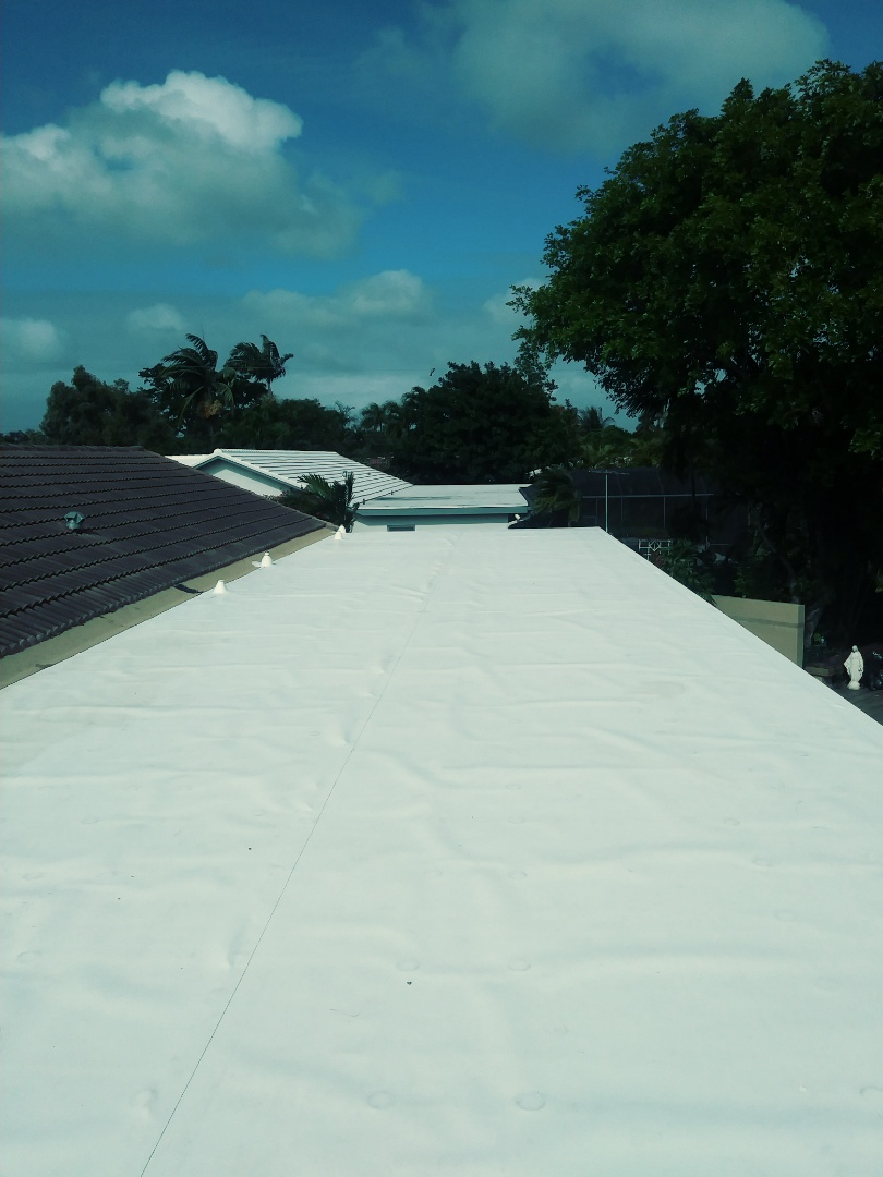 Plantation, FL - Finished tpo on a flat roof by earl w Johnston roofing llc
