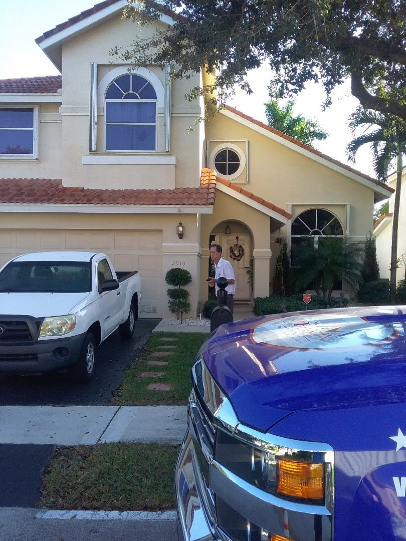 Margate, FL - Roof tile repair in the city of Margate Florida this repairs being done by Earl W Johnston roofing company Tony and Perry are you repair technicians Pizza Hut Lowell