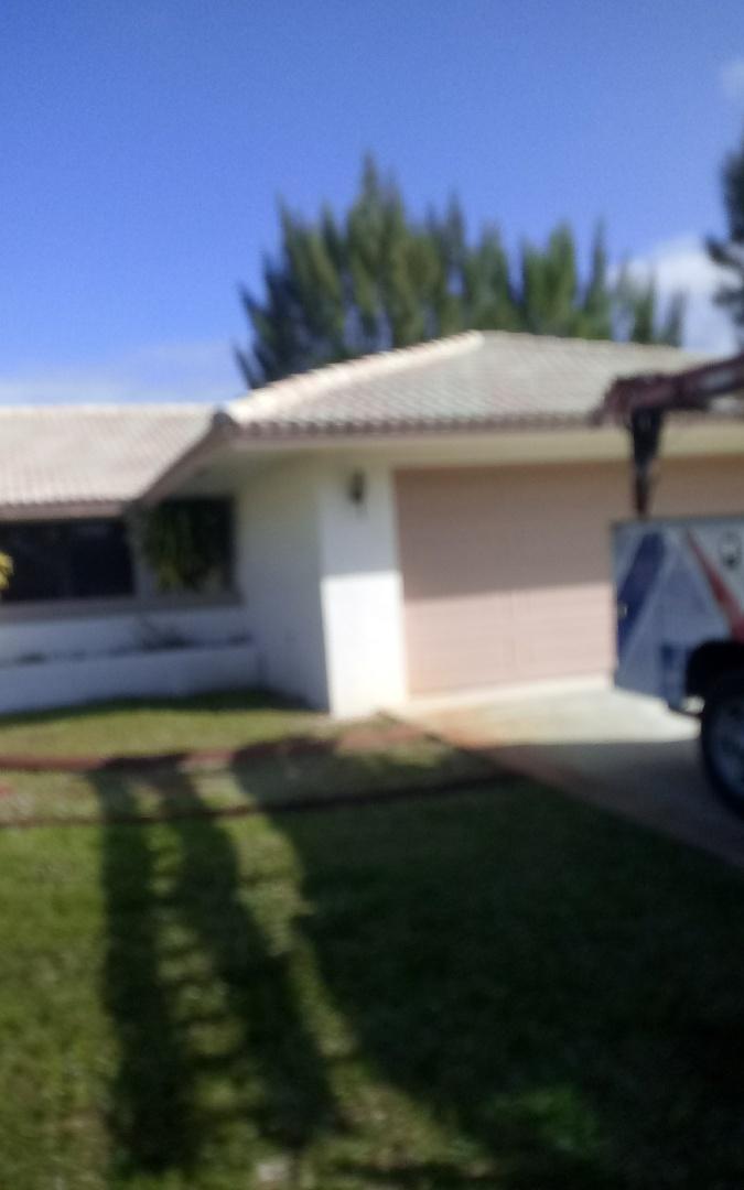 Plantation, FL - Repair roof by Israel & Alexis from Earl Jhonstonroofing