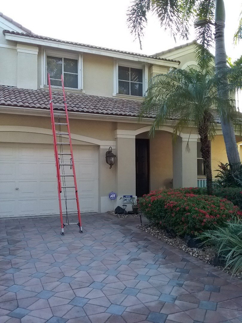 Weston, FL - Fascia wood repair in the city of Weston Florida this repairs being done by Earl W Johnston roofing company Tony and Darnell are you repair technicians
