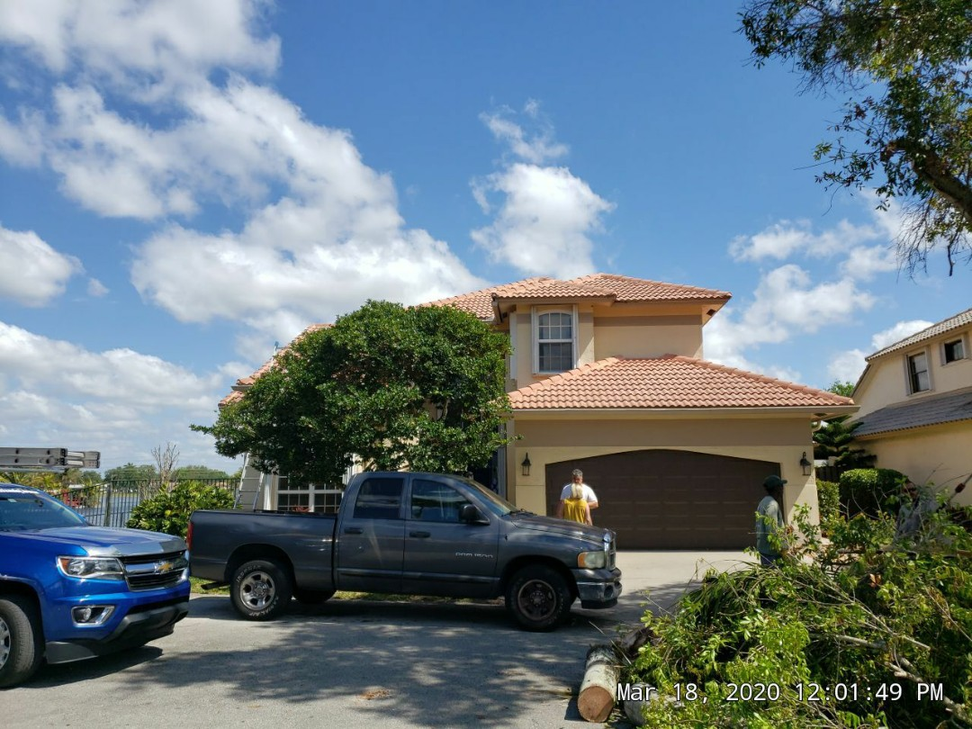 Hollywood, FL - Tile roof replacement estimate in Cooper City Florida by Mike Wilde of Earl Johnston Roofing