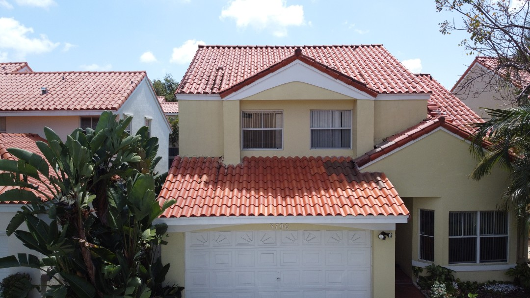 Hollywood, FL - Clay tile roof replacement estimate in Hollywood,FL by Mike Wilde of Earl Johnston Roofing