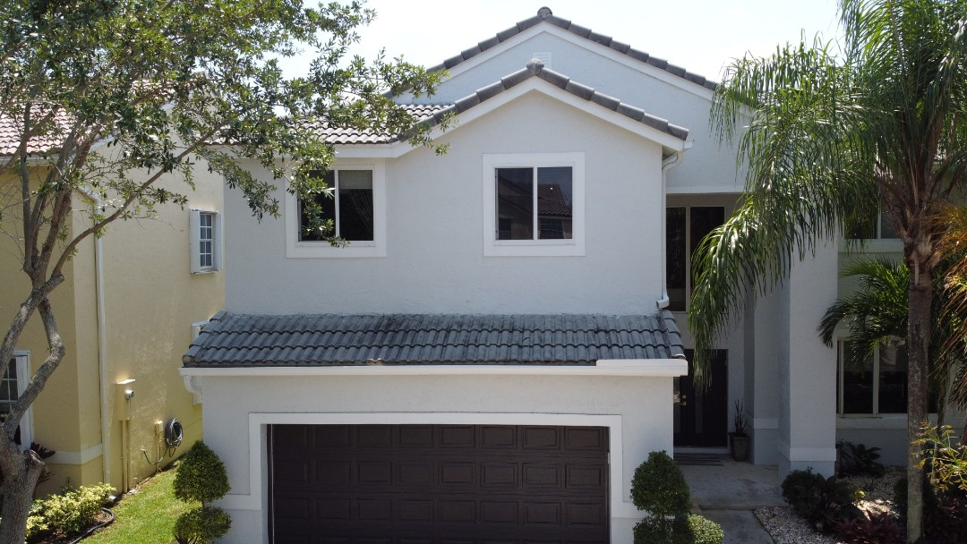 Weston, FL - Eagle Tile re-roof estimate in Weston,FL by Mike Wilde of Earl Johnston Roofing
