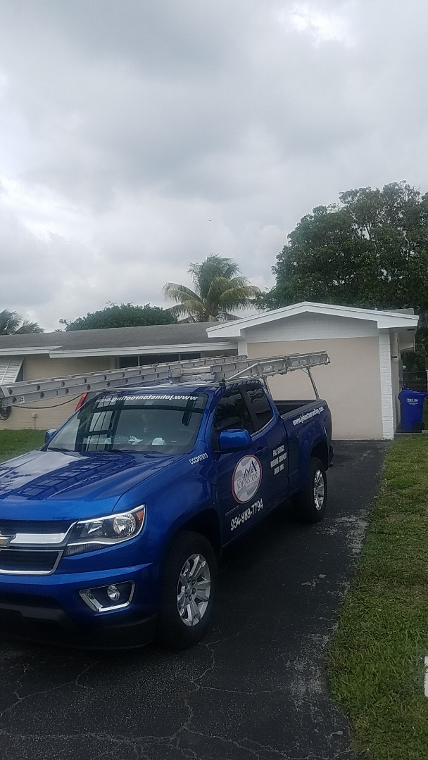 Pembroke Pines, FL - Shingle roof leak repair estimate by Aj from Earl Johnston Roofing Company