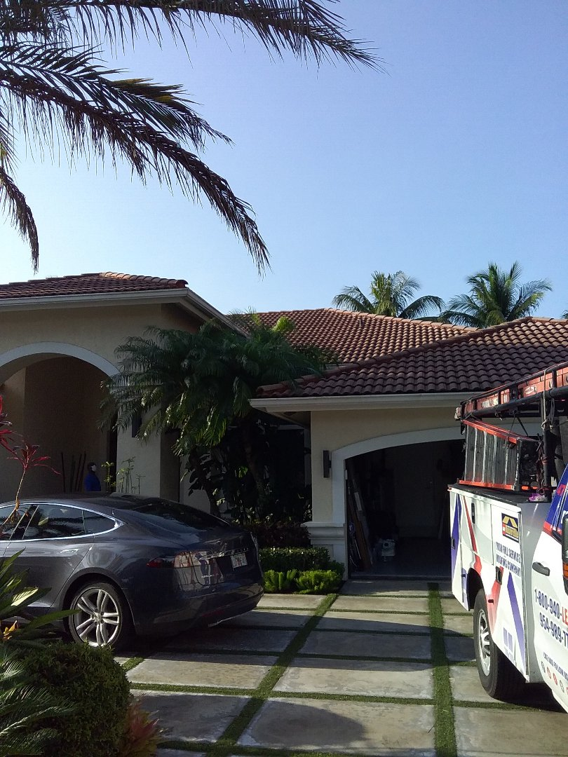 Plantation, FL - Repair tile roof by Oliver and Alexis from Earl W Johnston Roofing