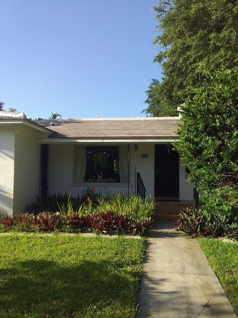 Miami Shores, FL - Repair tile roof by Oliver  Alexis  israel and Francisco from Earl W Johnston Roofing