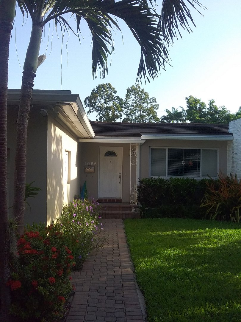 Miami Shores, FL - Repair tile roof by Oliver and Alexis from Earl W Johnston Roofing