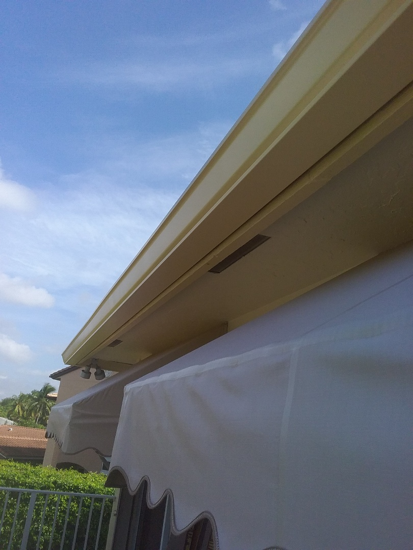 Hollywood, FL - Roof repair in Hollywood by Duane and Fransisco from Earl Johnston roofing