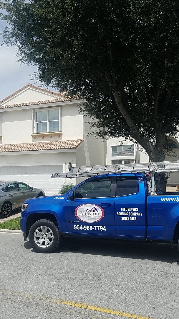 Hollywood, FL - Tile roof leak repair estimate by Aj from Earl Johnston Roofing Company