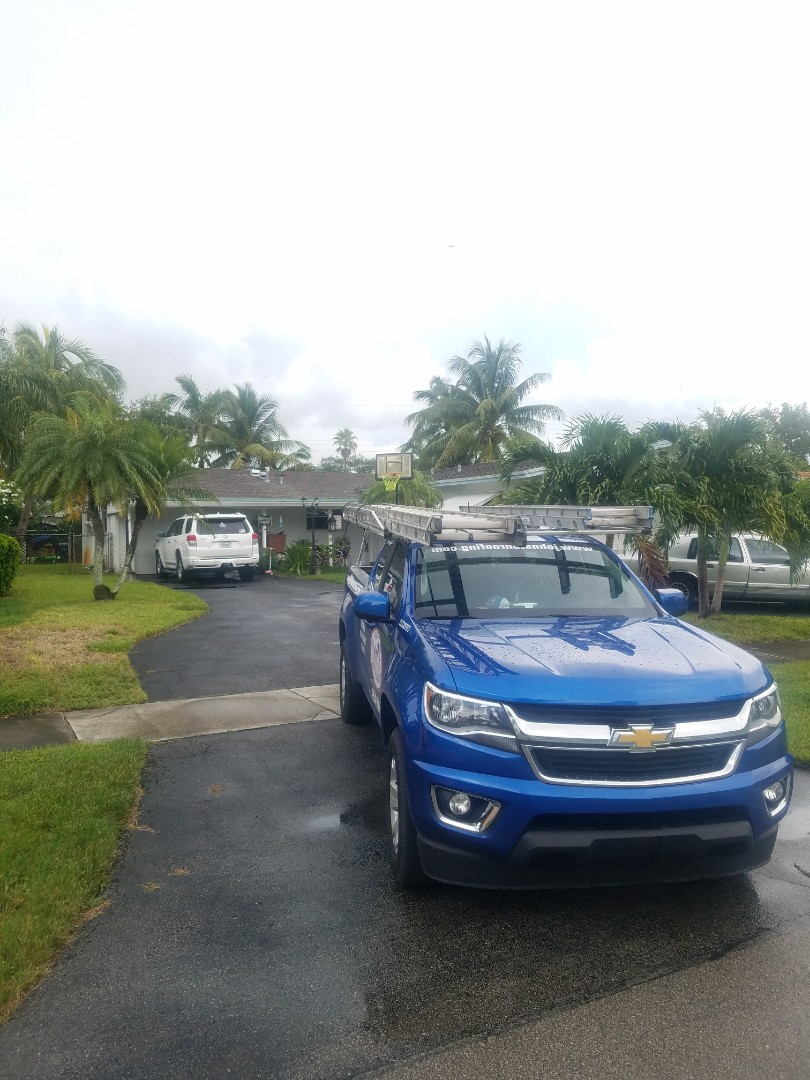 Hollywood, FL - Shingle roof leak repair estimate by Aj from Earl Johnston Roofing Company