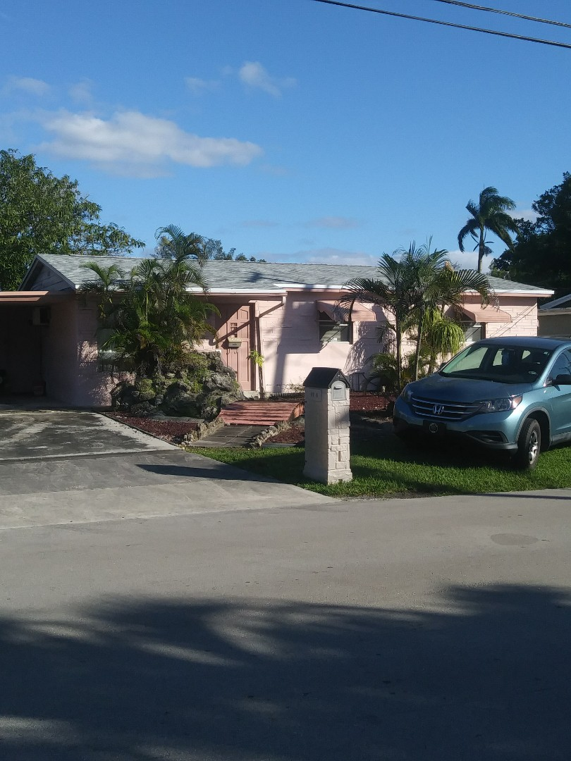 Fort Lauderdale, FL - Finished gaf timberline shingle by earl w Johnston roofing