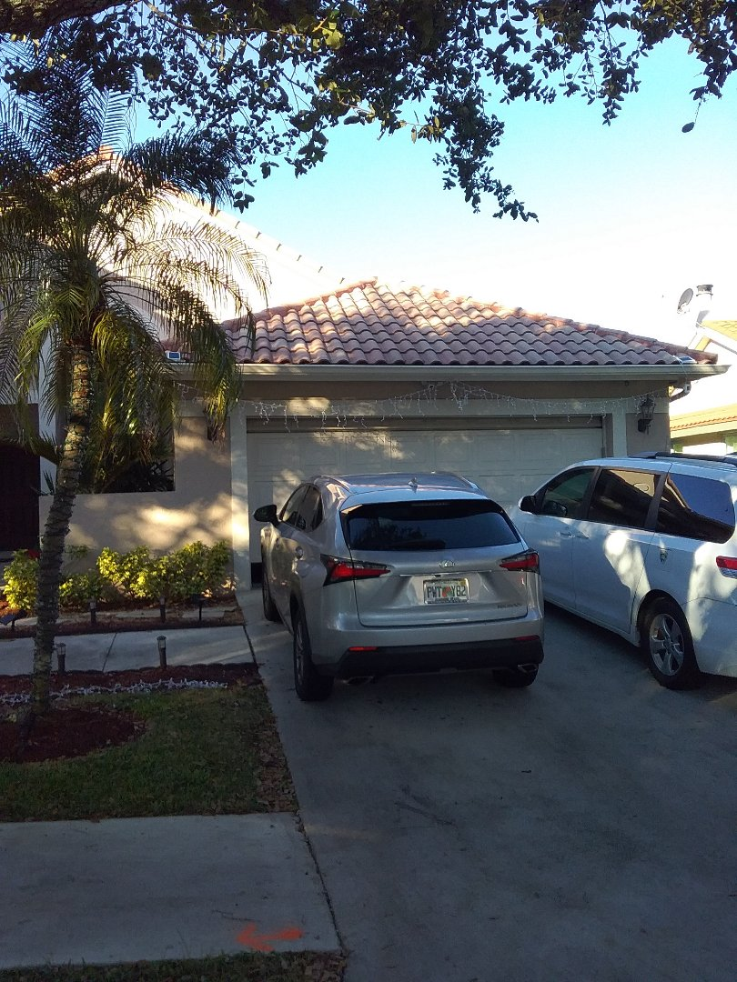 Weston, FL - Repair tiles roof by Alexis and Oliver from early w Johnson roofing