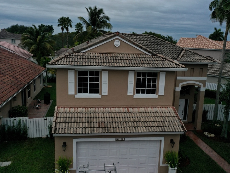 Weston, FL - Tile reroof estimate in Weston, FL by Mike Wilde and Earl Johnston Roofing