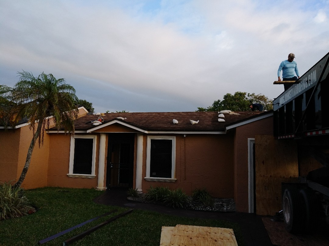 Hialeah, FL - Reroof shingle Miami