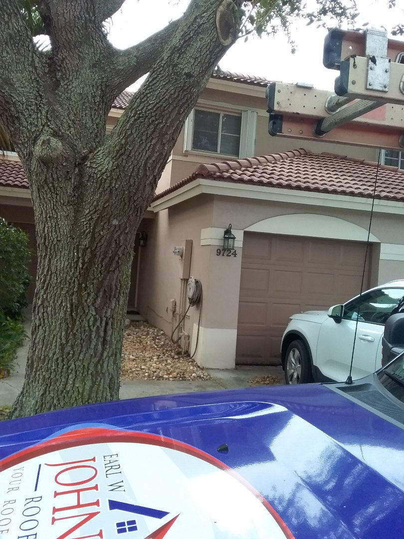 Pembroke Pines, FL - Repair change vent by Alexis and Oliver from early w Johnson roofing