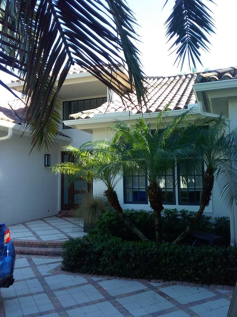 Pembroke Pines, FL - Repair tiles roof by Alexis and Oliver from early w Johnson roofing