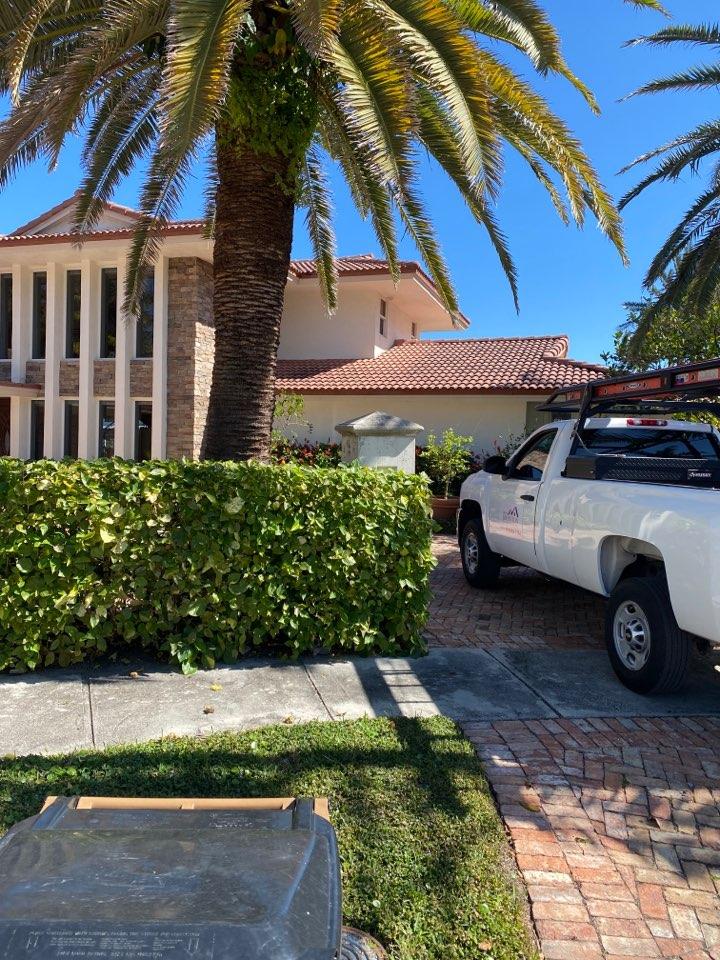 Deerfield Beach, FL - Estimate for a roof tile repair and Deerfield beach