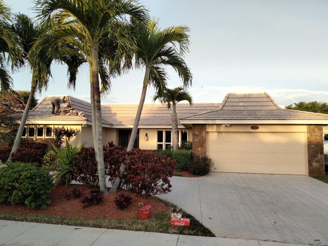 North Miami Beach, FL - Reroof tile & Flatdeck
