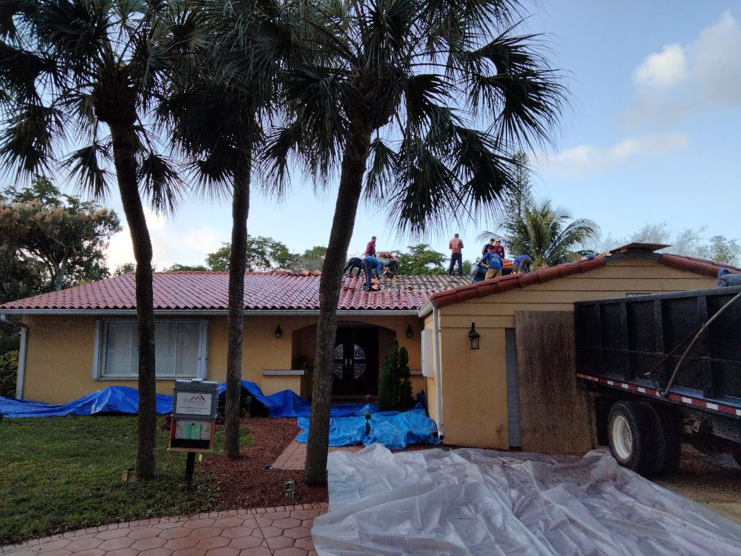 Hialeah, FL - Reroof tile Miami Lakes