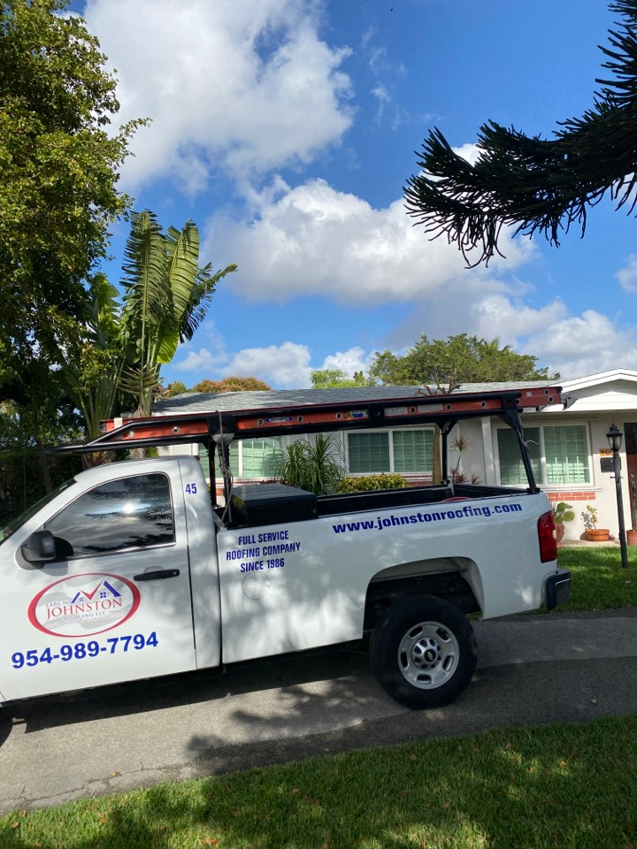 Hialeah, FL - Re-roof estimate in Hialeah for a shingle removal and a shingle install GAF timberline HDZ shingles