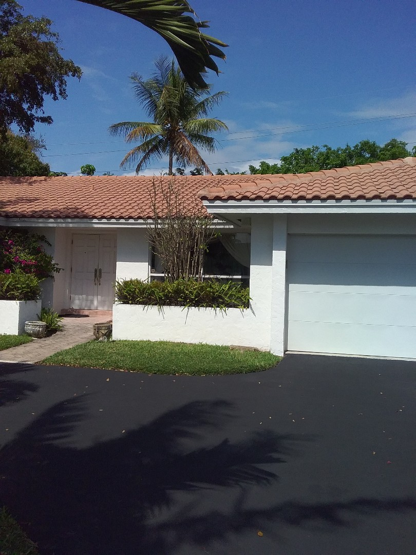 North Miami Beach, FL - Repair tiles roof by Alexis and Oliver from early w Johnson roofing