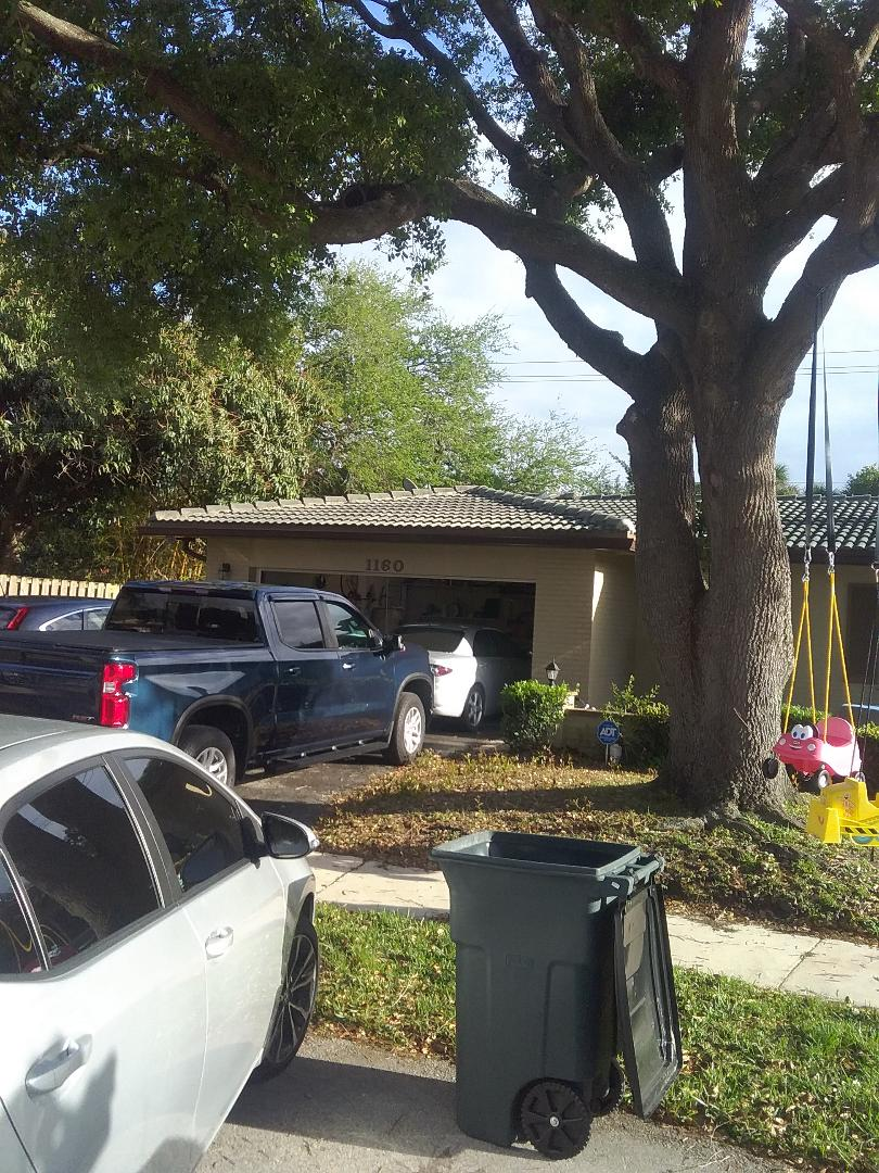 Plantation, FL - Repair tiles roof by Alexis and Oliver from early w Johnson roofing