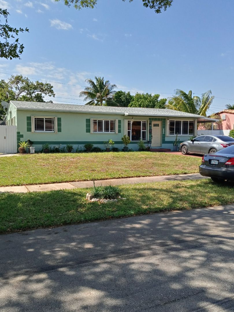 North Miami Beach, FL - Finished gaf timberline shingle and flat roof by earl w Johnston roofing llc