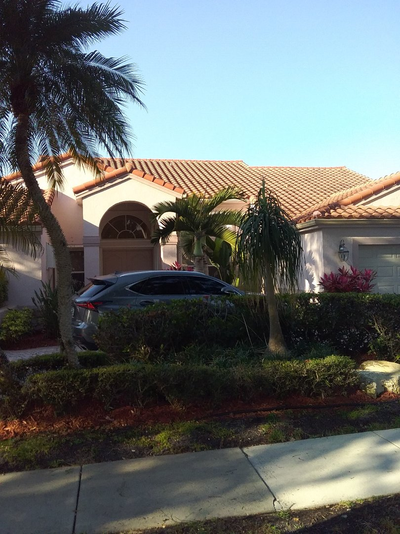 Hollywood, FL - Repair tiles roof by Alexis and Oliver from early w Johnson roofing