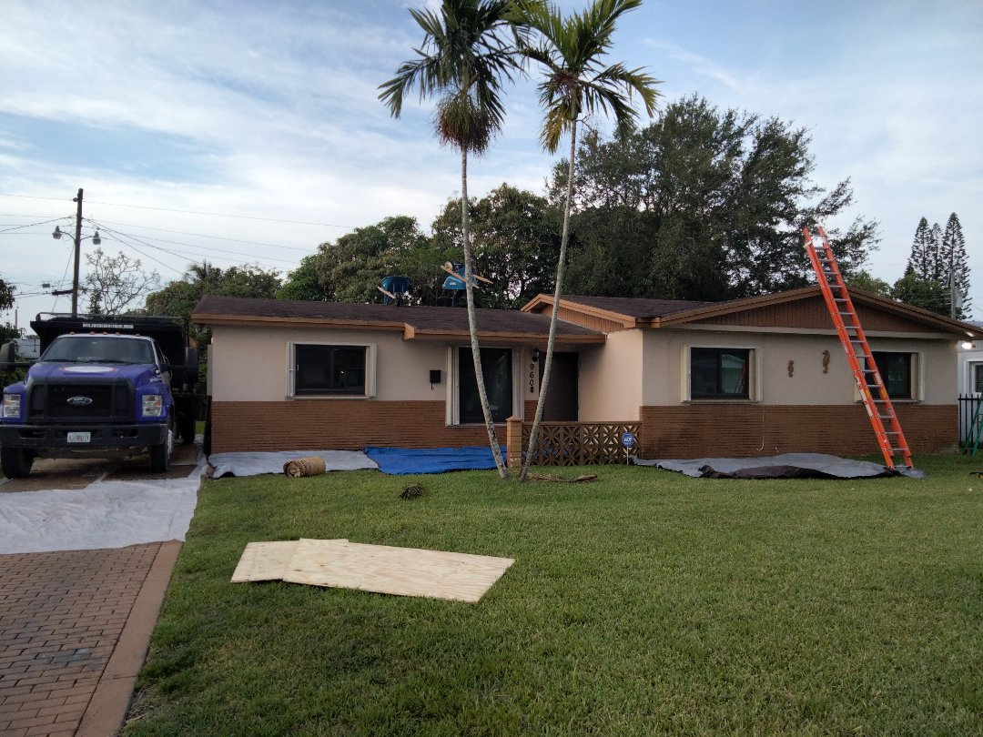 Miami, FL - Reroof shingle Miami Gardens