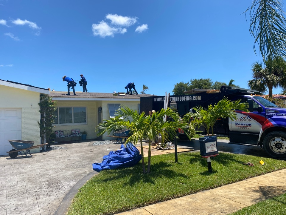 Hollywood, FL - Single and flat reroof in Hollywood