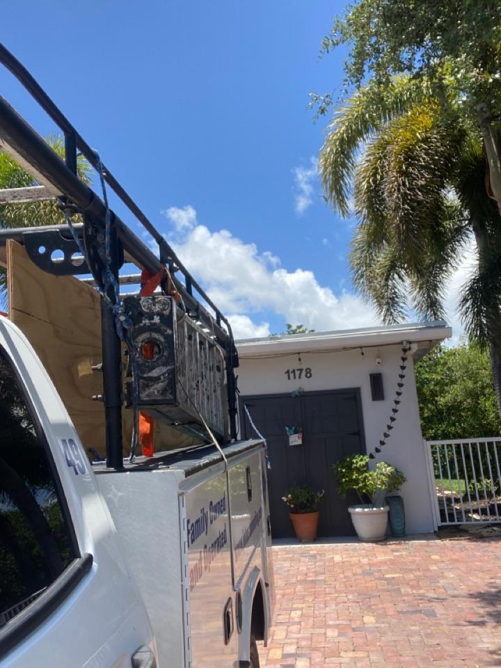 Hollywood, FL - Flat repair in Hollywood