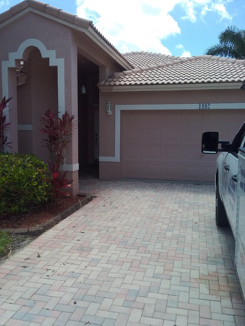 Pembroke Pines, FL - Repair tiles roof by Alexis and Oliver from earl w Johnson roofing