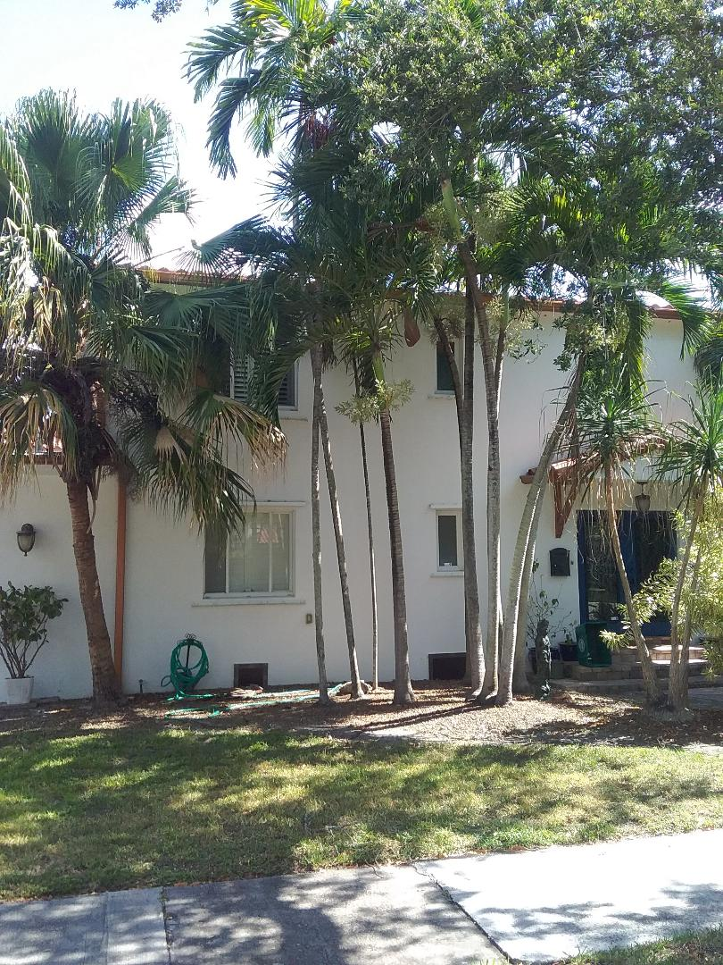 Miami Shores, FL - Repair flat roof by Alexis and Oliver from earl w Johnson roofing