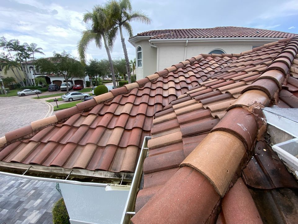 Hollywood, FL - Roof leak repair estimate in Hollywood Florida by Mike Wilde and Earl Johnston roofing